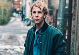 News Tom Odell Portrait Faded